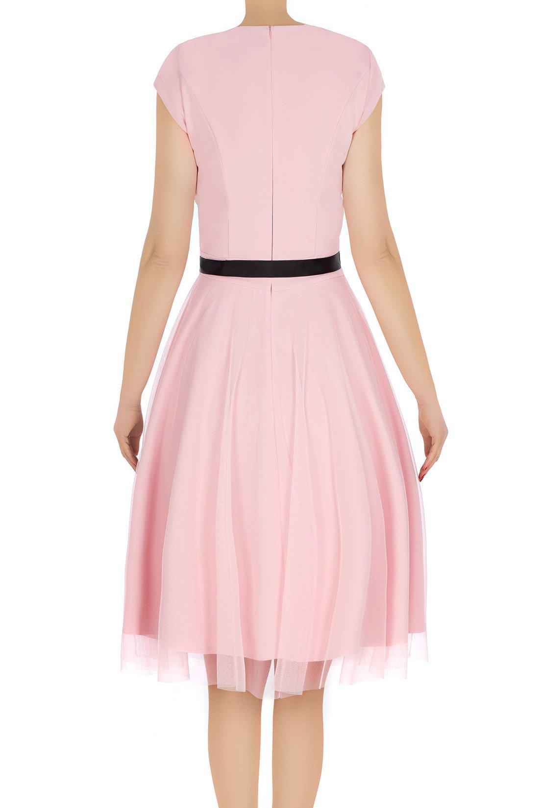 c6324af1f0 ... Elegancka sukienka damska Feero pudrowy róż z paskiem 3225 Kliknij